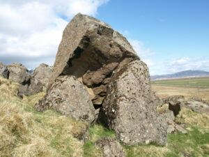 Steinninn er Sigurður Ingimundarson fæddist við, óveðursnóttina 7. júlí 1829.